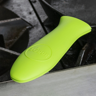 Силиконовая прихватка на ручку сковороды Lodge, 14х5см, светло-зеленая - арт.ASHH51, фото 1